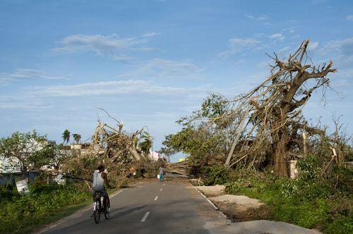 Cyclone Phailin Response 151013_035