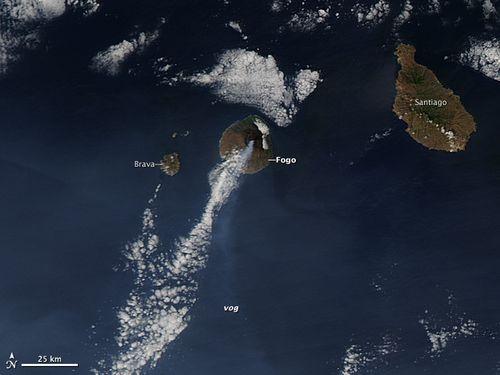 Fogo_eruption_2014